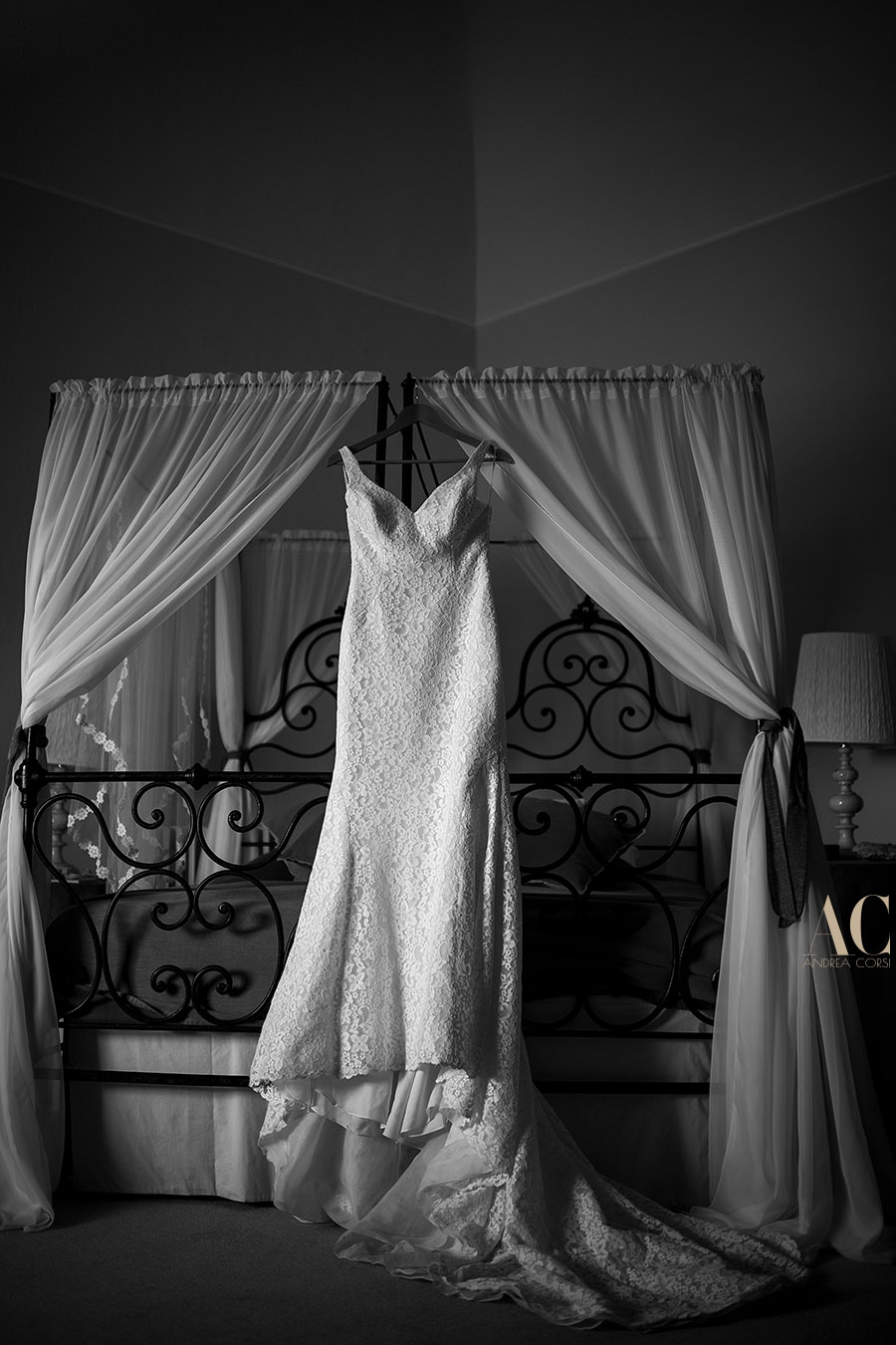 Intimate Wedding reportage Pisa (Italy). Villa di Ulignano: Katharine & Christopher wedding. Andrea Corsi italian intimate wedding Photojournalist