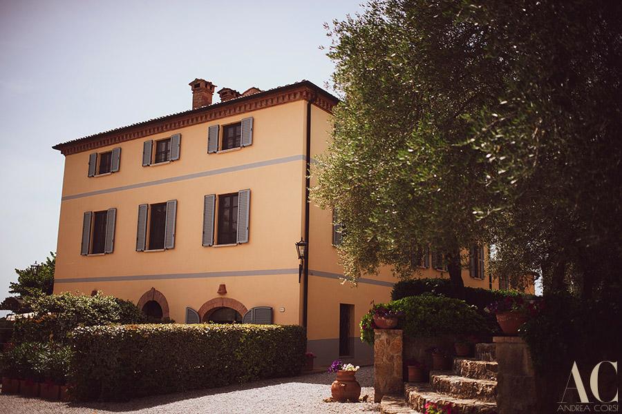Destination Wedding in Pienza, Siena (Tuscany). Terre di Nano: Sarah & Timothy get married. Andrea Corsi italian destination wedding photographer