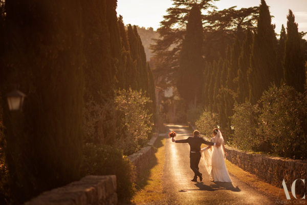 Wedding photographer in Siena: Meleto Castle. Patricia & Augusto get married